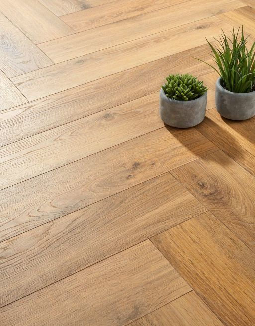 Fusion Herringbone 12mm Natural Robust Oak 4V Laminate