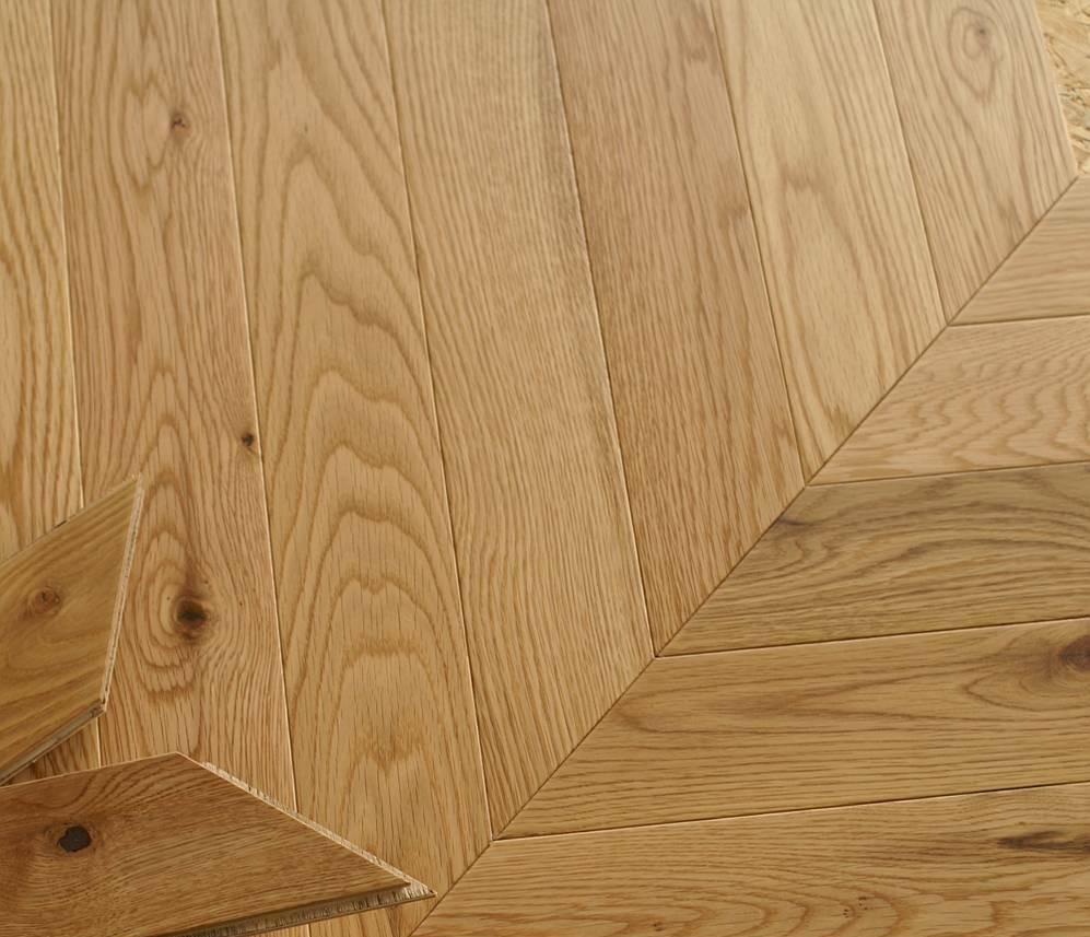 Nevada Chevron 15/4 x 90mm Natural Oak Herringbone Engineered Flooring